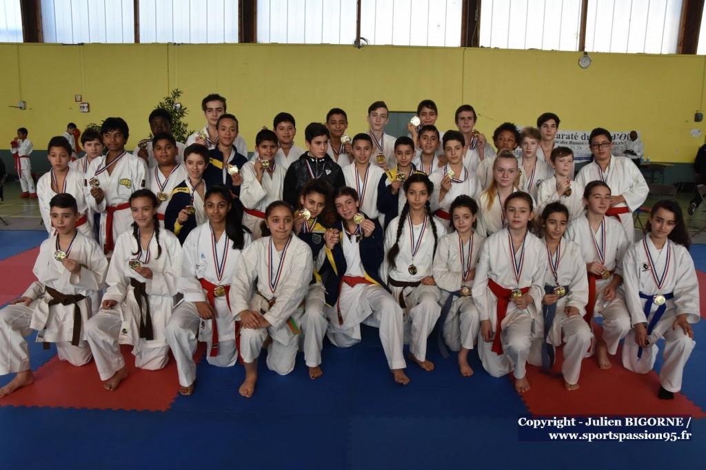 karate-vo-2016-kumite-podium-minimes-F