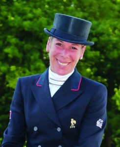 equitation-073 : SWING DE HUS : BRIEUSSEL Stephanie : FRA : CDI2*