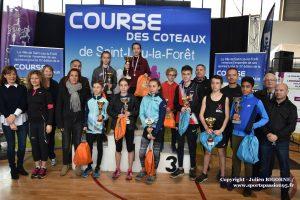 cap-course-des-coteaux2019-18- PODIUM DU 2 KM AVEC ELUS - DSC_5592b-5672 - podium general - 2 KM